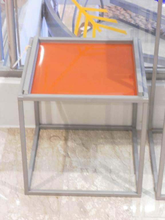 Ditta Ingenia - Tavolino da lato in outlet da mobili salvati a castel san giorgio