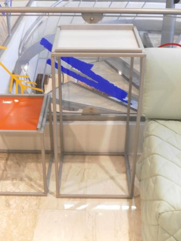 Ditta Ingenia - Tavolino da lato