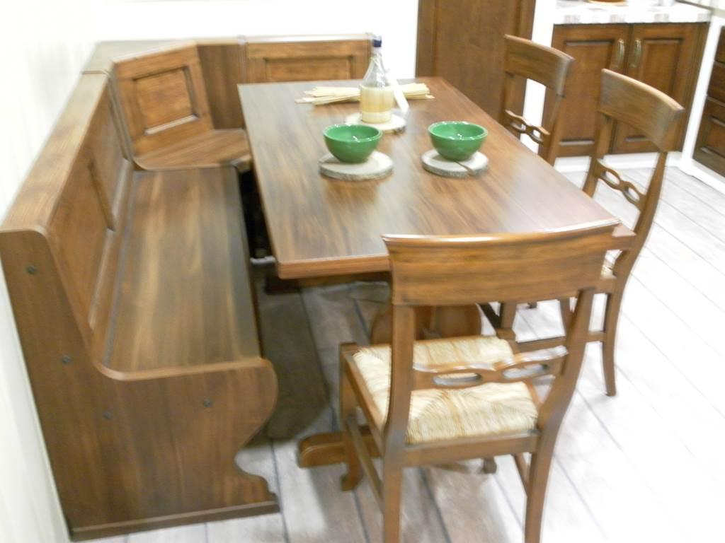 Arrex-tavolo rettangolare+panca ad angolo+3 sediein outlet da Mobili salvati a castel san giorgio