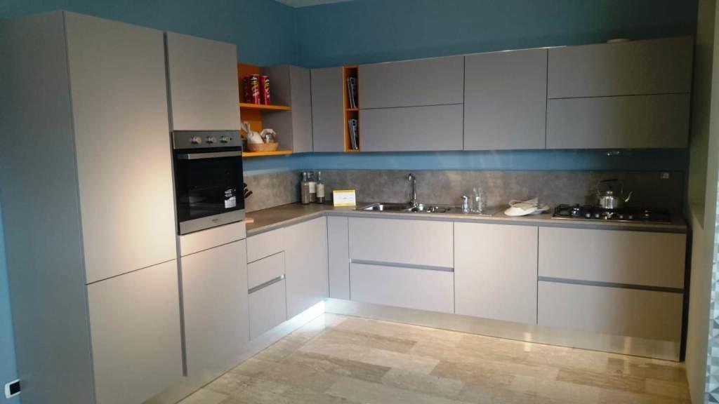 outlet cucine mobili salvati- Ditta Ala - Cucina Mod. Linea -Mobili salvati - castel san giorgio - salerno -