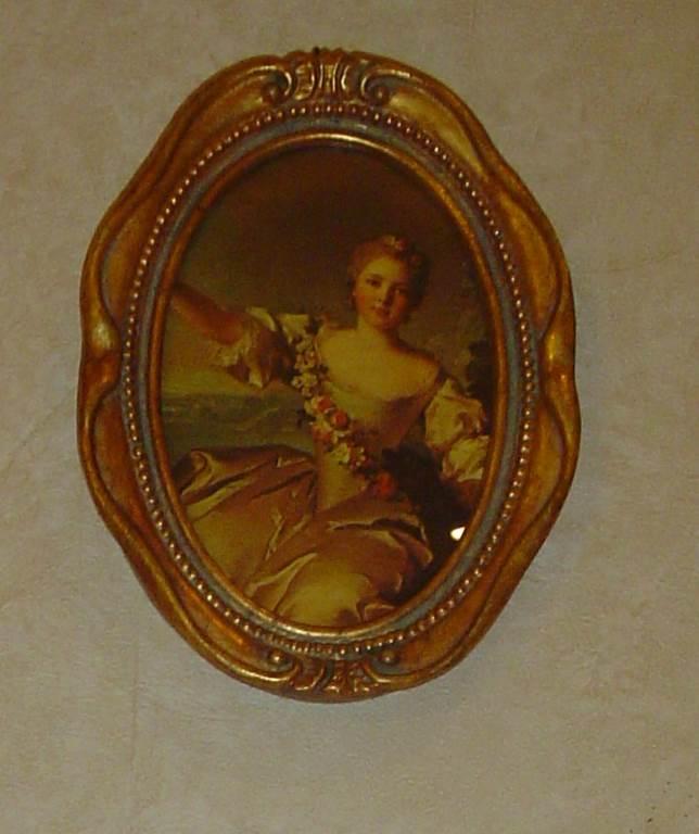 quadro cornice ovale dorata-outlet- grandi affari- mobili salvati- castel san giorgio - sa -120quadro con cornice classica € 35