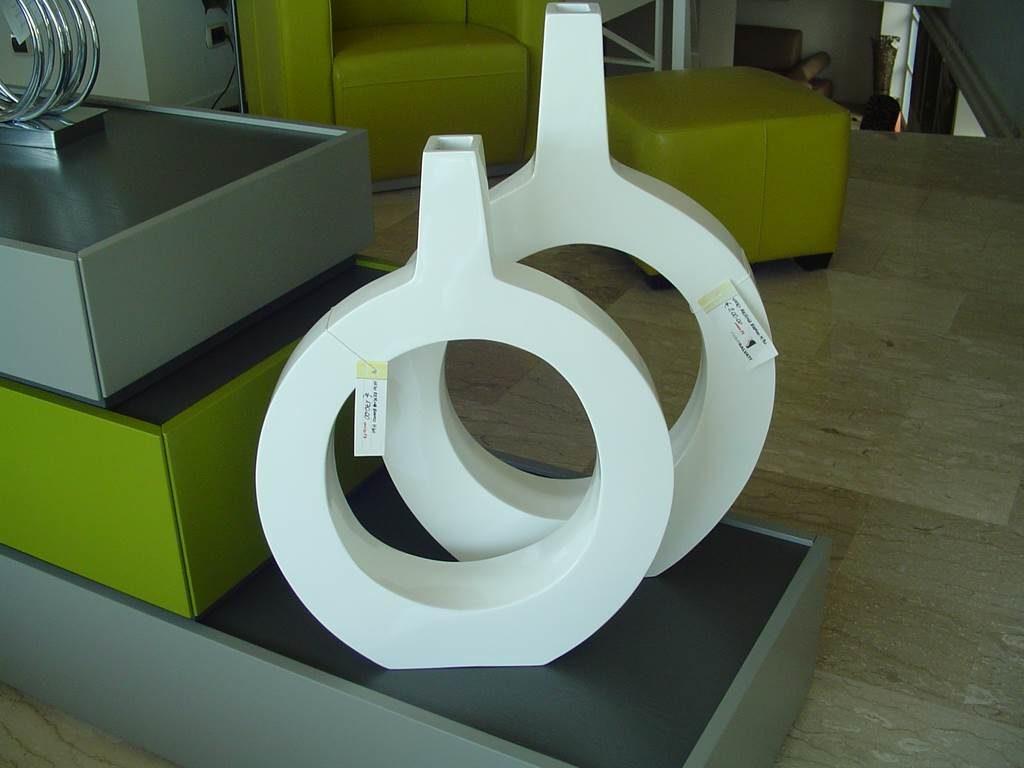 Oakom - Coppia Vasi - outlet- grandi affari- mobili salvati- castel san giorgio - sa -23- oakom vaso basso € 140 vaso alto € 160