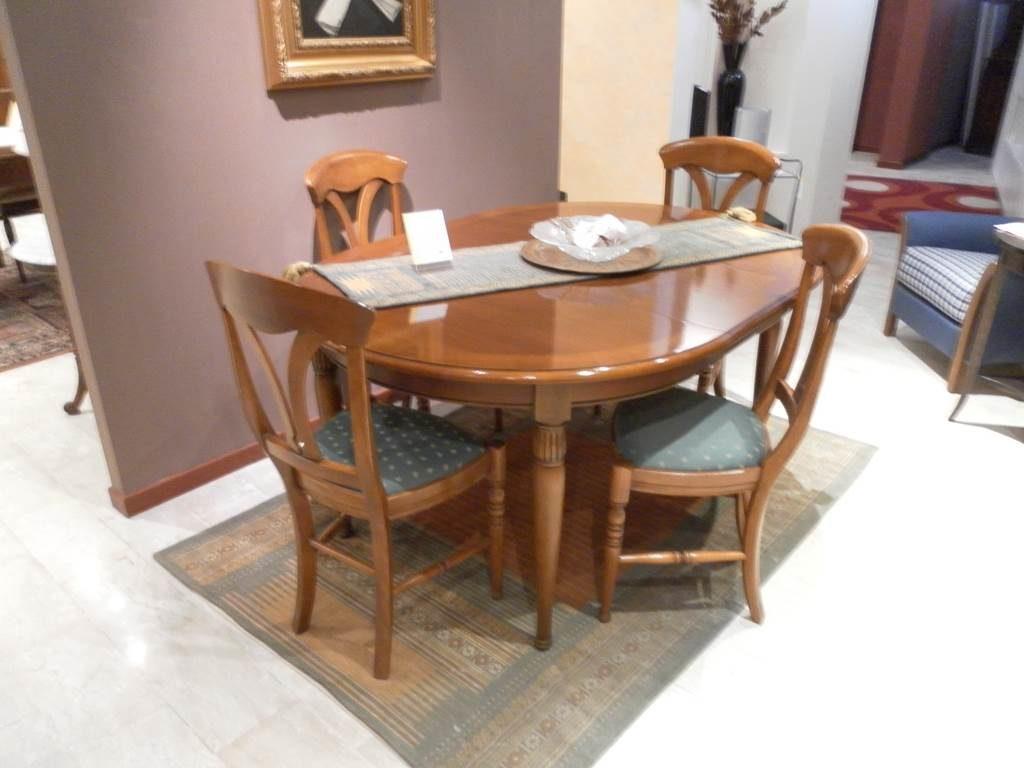 outlet-grandi-affari-mobili-salvati-castel-san-giorgio-sa-2Avetrina-tavolo-e-sedie-€-2950