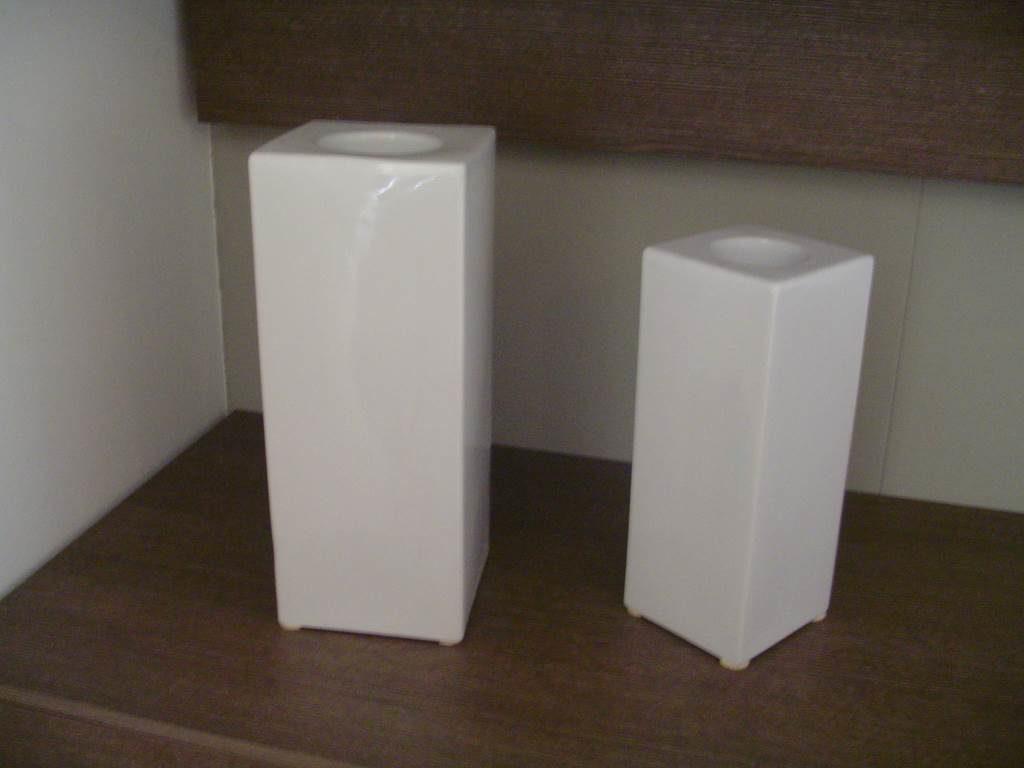 oakom coppia vasi - outlet- grandi affari- mobili salvati- castel san giorgio - sa -33- oakom vaso alto €15 vaso basso €10