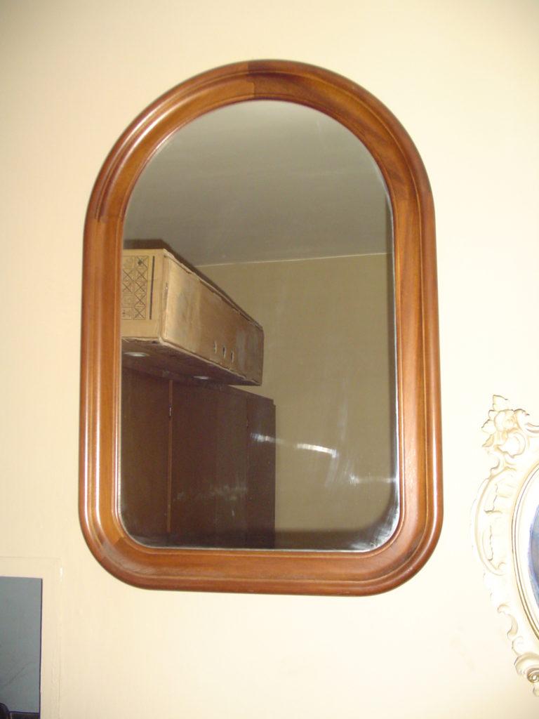 ditta scrilema-outlet- grandi affari- mobili salvati- castel san giorgio - sa -34- specchio cornice legno € 70