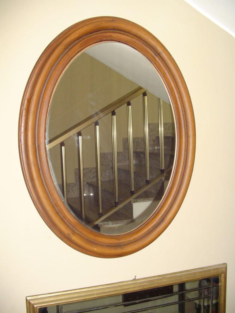 dtta scrilema-outlet- grandi affari- mobili salvati- castel san giorgio - sa -35- specchio cornice legno € 70