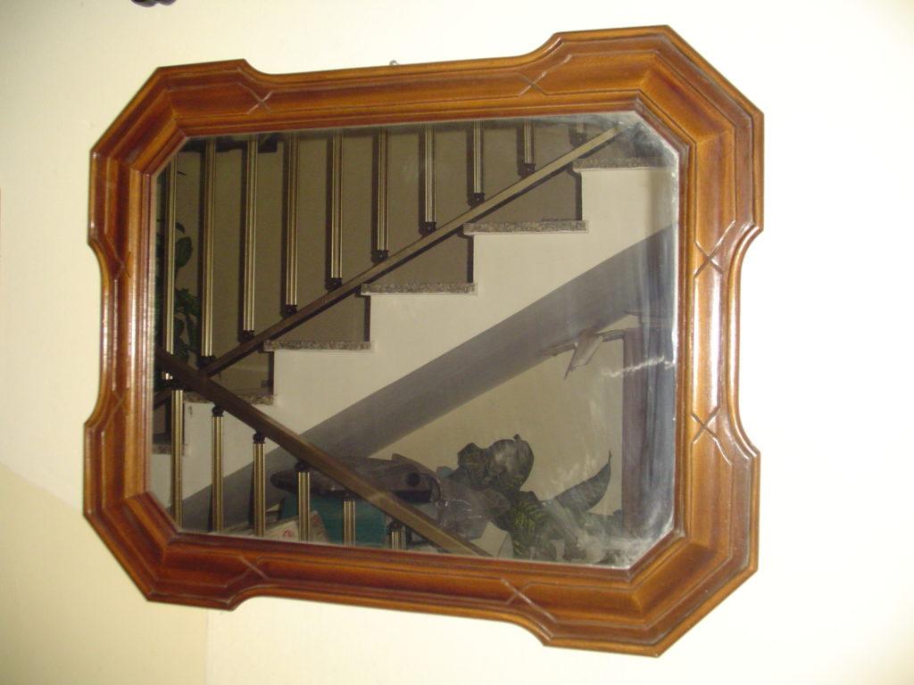 ditta scrilema -outlet- grandi affari- mobili salvati- castel san giorgio - sa -37-specchio cornice legno € 50