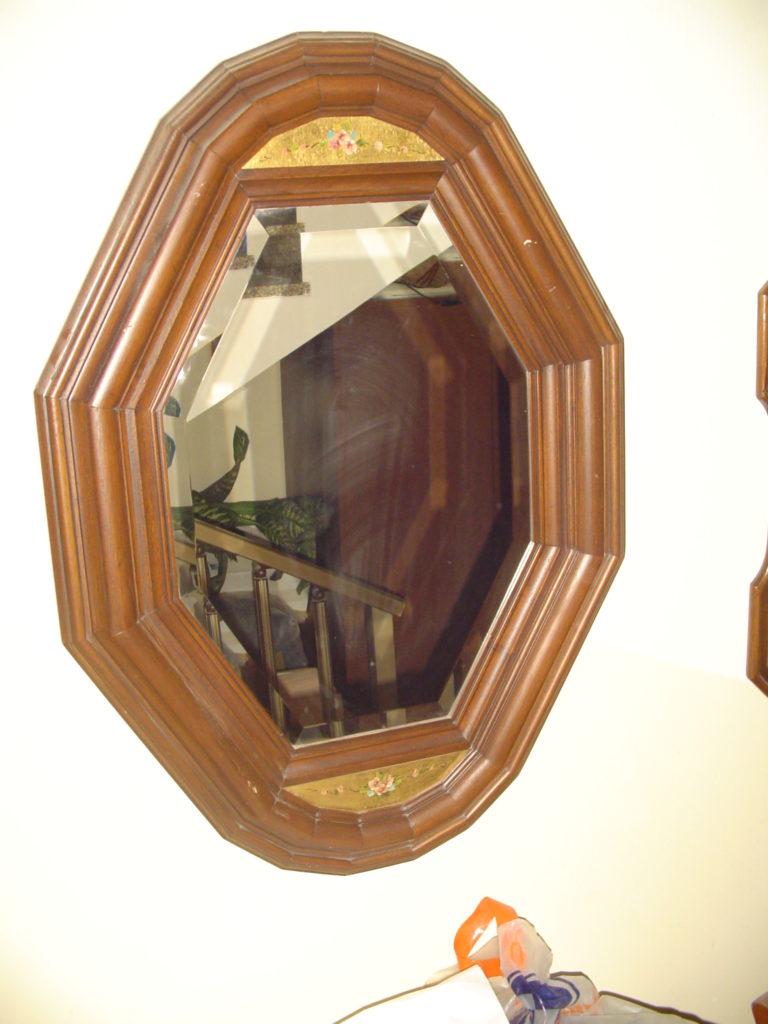 ditta scrilema-outlet- grandi affari- mobili salvati- castel san giorgio - sa -38 specchio cornice legno € 40
