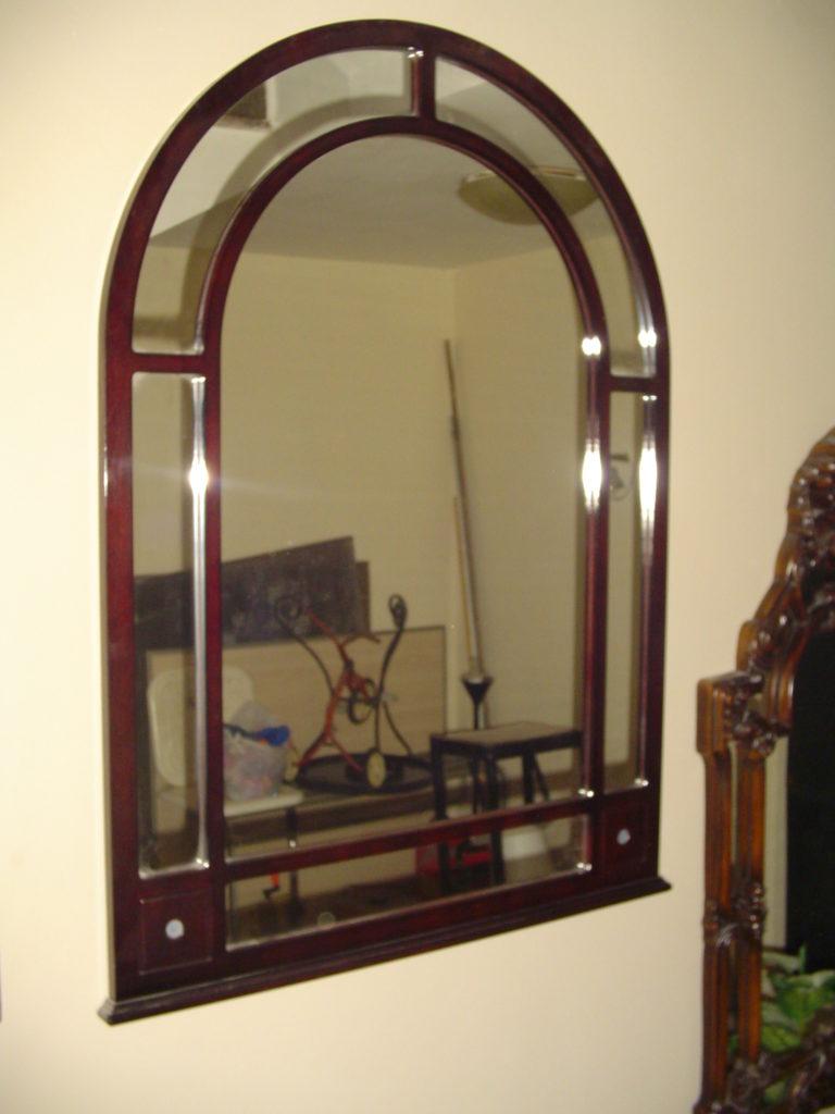 ditta scrilema- outlet- grandi affari- mobili salvati- castel san giorgio - sa -40- specchio cornice legno € 50