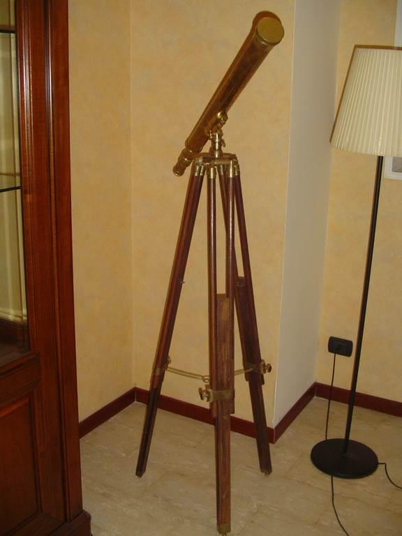 outlet- grandi affari- mobili salvati- castel san giorgio - sa -5 castagnetti telescopio € 150