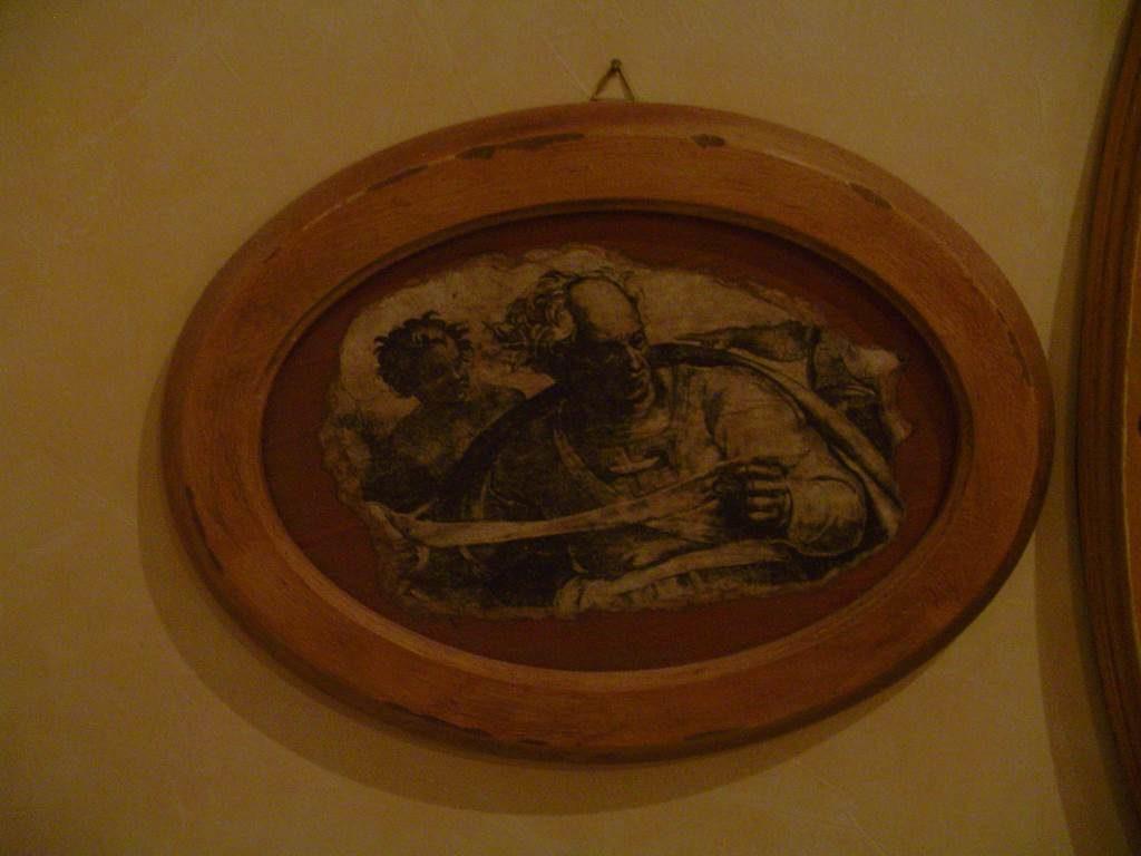 quadretto ovale-quadro in outlet da mobili salvati -castel san giorgio -sa-