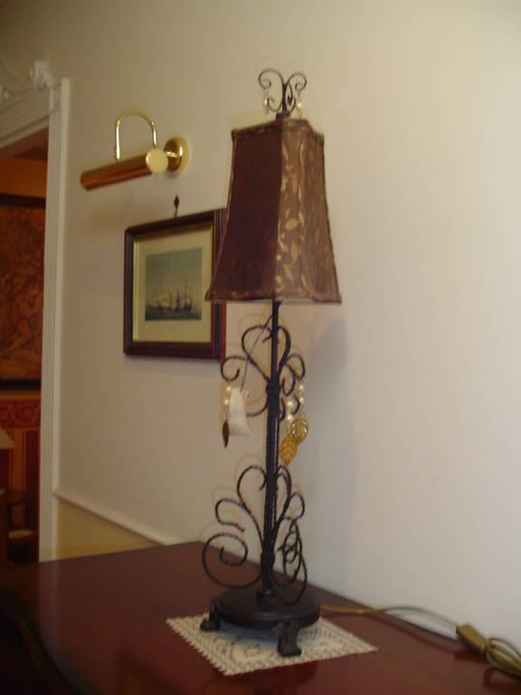 outlet- grandi affari- mobili salvati- castel san giorgio - sa -Casabella collection lampada da tavolo € 35