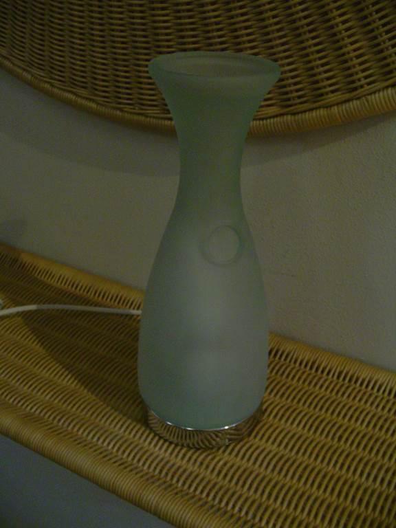 lampada da tavolo a forma di bottiglia in outlet da mobili salvati castel san giorgio - salerno