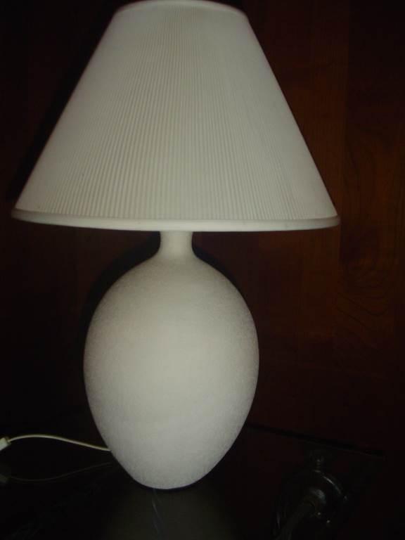 interni luce- lampada da tavolo in ceramica - in outlet da mobili salvati castel san giorgio - salerno